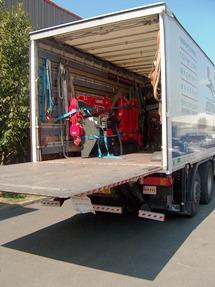 Camion et mini grue de déménagement